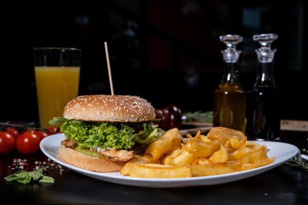 CHICKEN BURGER (550g) - Burgeri Baia Mare - Pub The Oak - Delivery